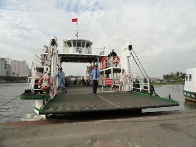 Bến phà Thủ Thiêm chuyển thành bến thủy nội địa